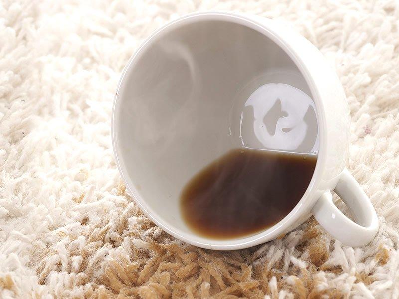 как убрать пятно кофе с ковра