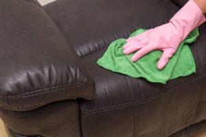 почистить кожаный диван в Красноярске