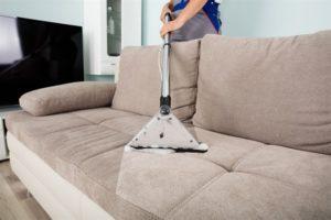 чистка дивана от грязи