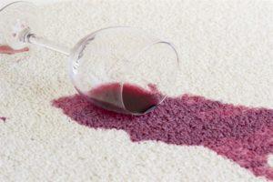 пятна от вина на ковре