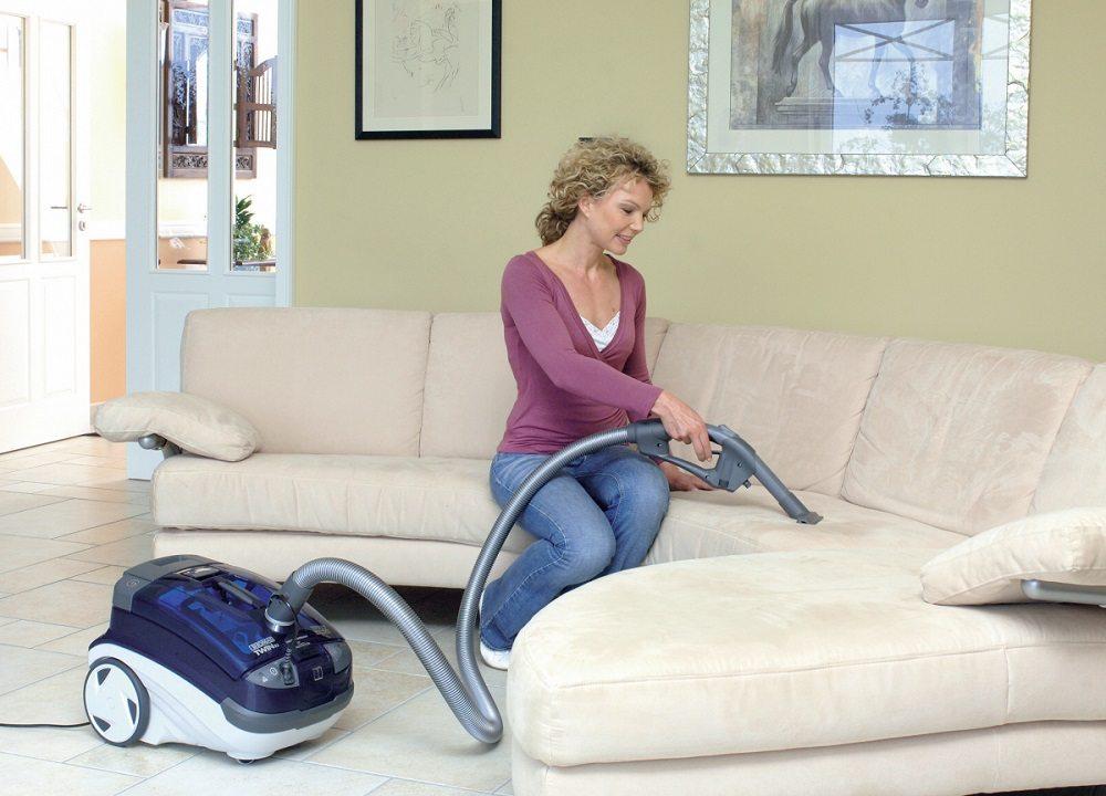 пятна на диване